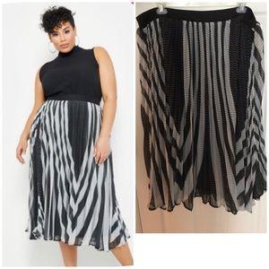 Ashley Stewart Black & White Skirt NWT